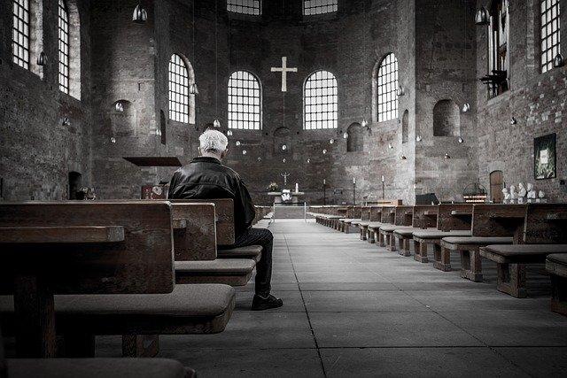 tinuta Biserica
